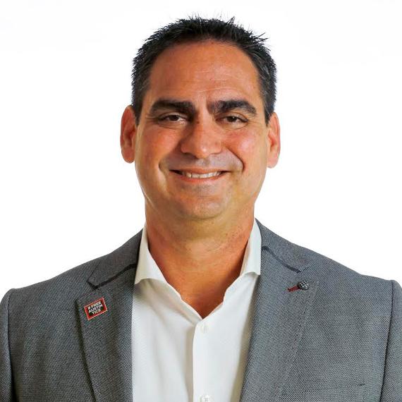 Orlando Comas Headshot
