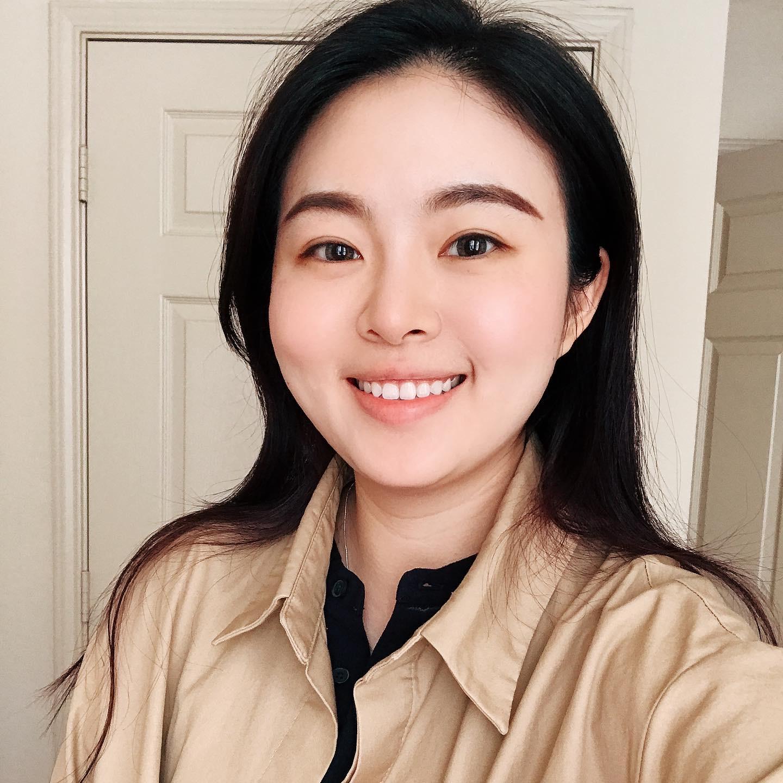 """Xuan """"Zoe"""" Zhang Headshot"""